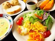 【朝食の一例】栄養満点の朝食で一日をスタート!