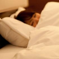 客室すべてにシモンズ社製のベッドを採用