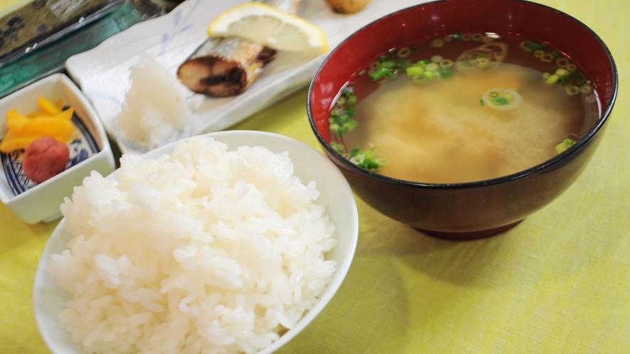 【朝食一例】元気の源(ごはんと味噌汁)