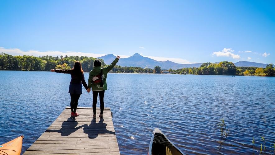 【猪苗代湖】迫りくるような大自然!陽光きらめく湖の向こうには『磐梯山』がそびえ立ちます
