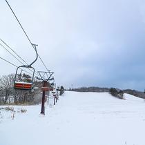 【沼尻高原スキー場】は当館の目の前!冬にはウィンタースポーツをお楽しみいただけます。