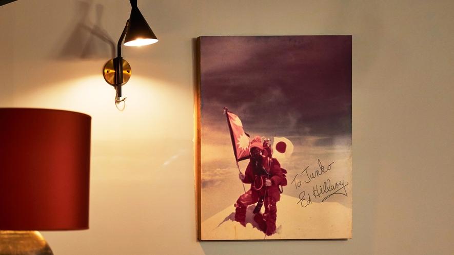 館内には女性初のエベレスト登頂者、田部井淳子氏ゆかりの品々が展示しております