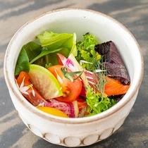 地元のオーガニックにこだわり仕入れる新鮮なお野菜ばかりを使用