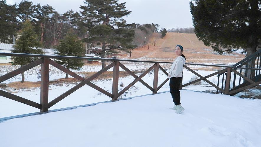 【テラス】冬は真っ白な雪景色!どこまでも続く白の世界をご覧いただけます