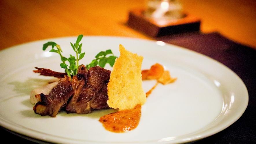 """会津地鶏からジビエまで…どんなお肉も""""炭火""""で丁寧に仕上げます"""