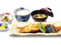 煮魚定食 930円(税込) グランドメニュー
