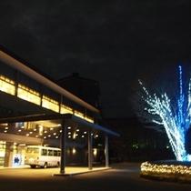 ホテルエントランス(冬・夜)