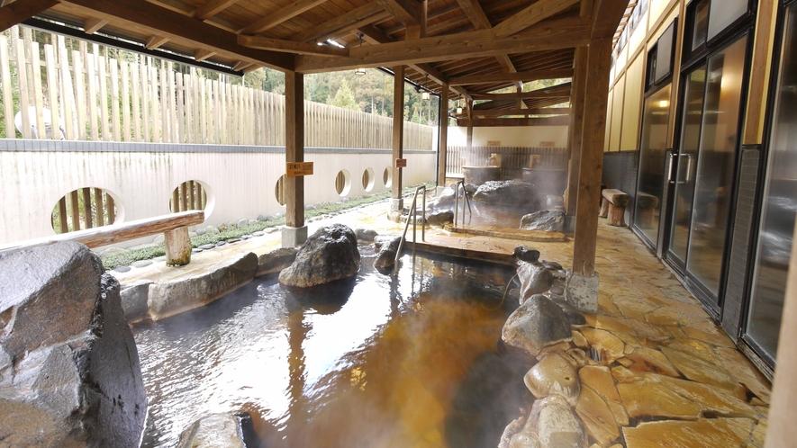 <大浴場>露天風呂は源泉かけ流し