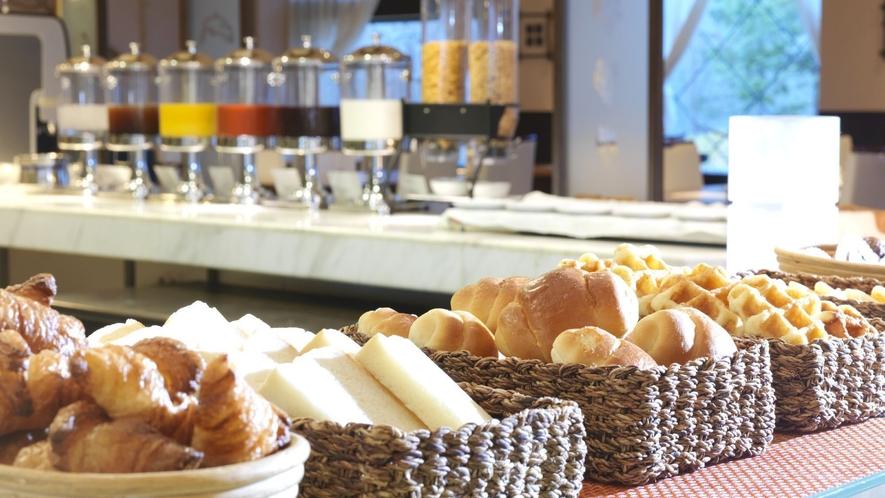 ◆朝食バイキング一例/和食はもちろん、パンや洋食もご用意しております
