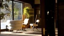 ◆椅子のギャラリー「偶」/お気に入りの椅子に座ってお寛ぎください。