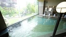 ◆大浴場/自家源泉から引く温泉は、「美肌湯」とも呼ばれるアルカリ性単純泉。