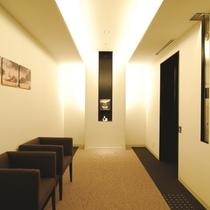 客室階(5~9F) エレベーターホールです☆