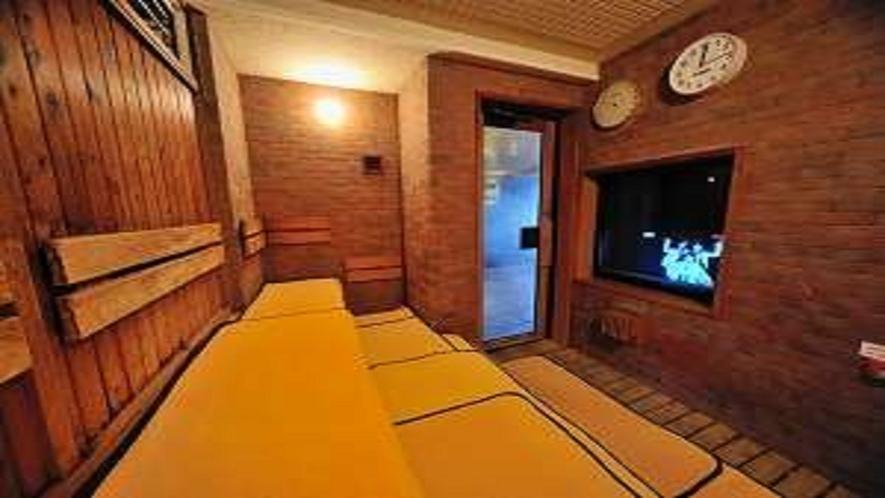 ■【男性】大浴場高温サウナ15:00~翌1:00、5:00~10:00(定員4名)室温96℃