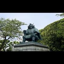 ■甲府駅前信玄像