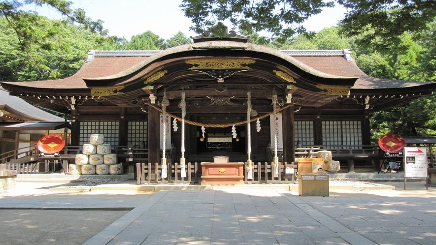 ■武田神社正面(写真提供:甲府観光協会)