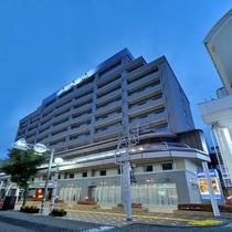 ◆ホテル外観夜