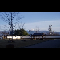 ■舞鶴城からの富士山(写真提供:甲府観光協会)