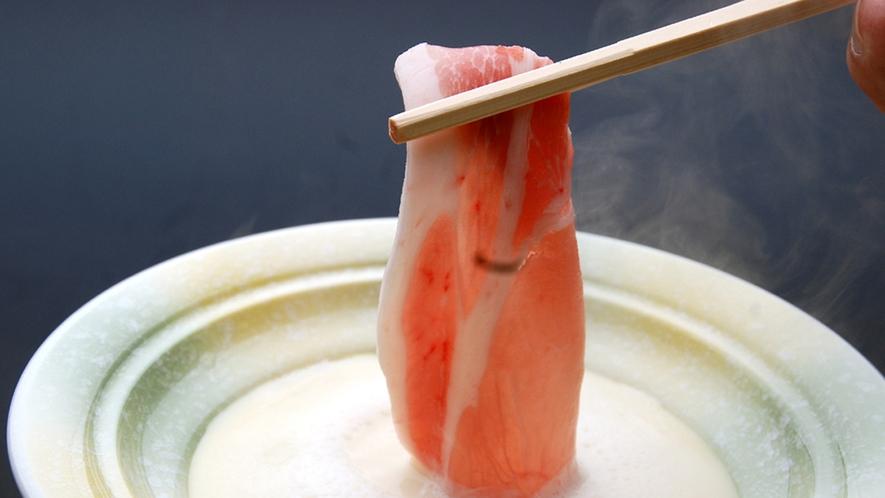 佐賀県産牛&地元ブランド豚を絞りたて豆乳鍋で頂く◆豆乳鍋会席/一例