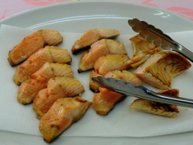 朝食の一例 ます焼き