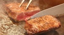 実演調理のステーキ