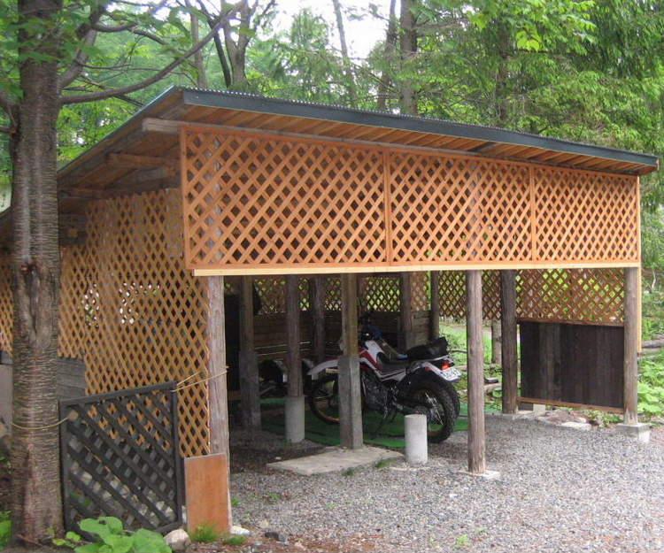 バイクの車庫