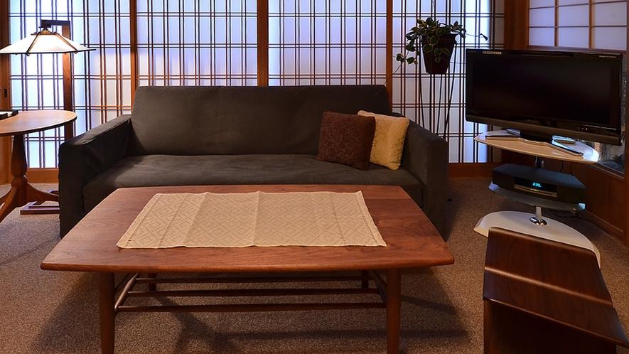 露天風呂付 和風モダンタイプ【淡交の間】/ソファーを設置致しております