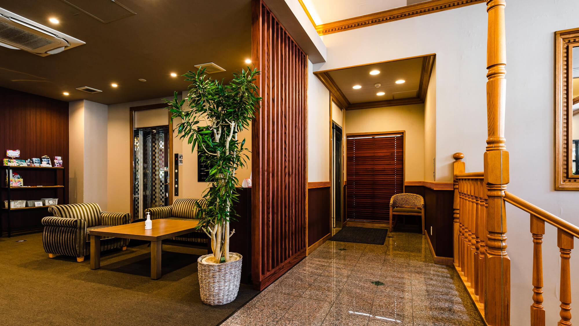 【HOTEL AZAT】3Fロビー