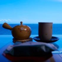 津軽海峡を眺めながらくつろぎのひと時を(部屋内イメージ)