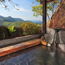 蓼科の山々が美しい貸切露天風呂(星の湯)
