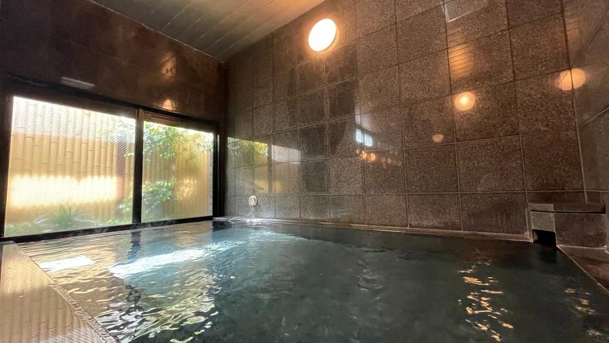 男性浴場【カラン4つ】 効能:リウマチ・神経痛・痔・冷え性・腰痛・疲労回復・うちみ・湿疹