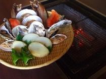 ホッケ・さくらます・帆立などの新鮮な魚介類に加え、野菜もご用意しております。