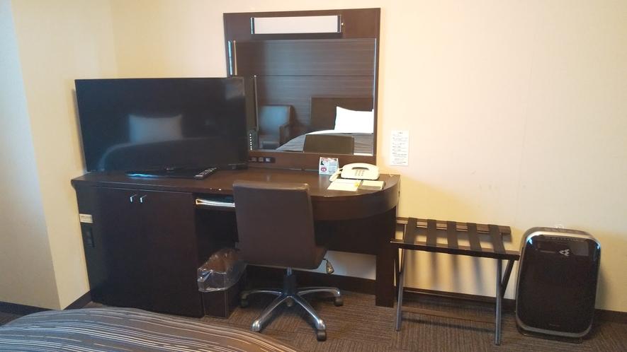 全室40インチのTVを完備。ルートインシアターやWOWOW放送を無料でお楽しみ頂けます。