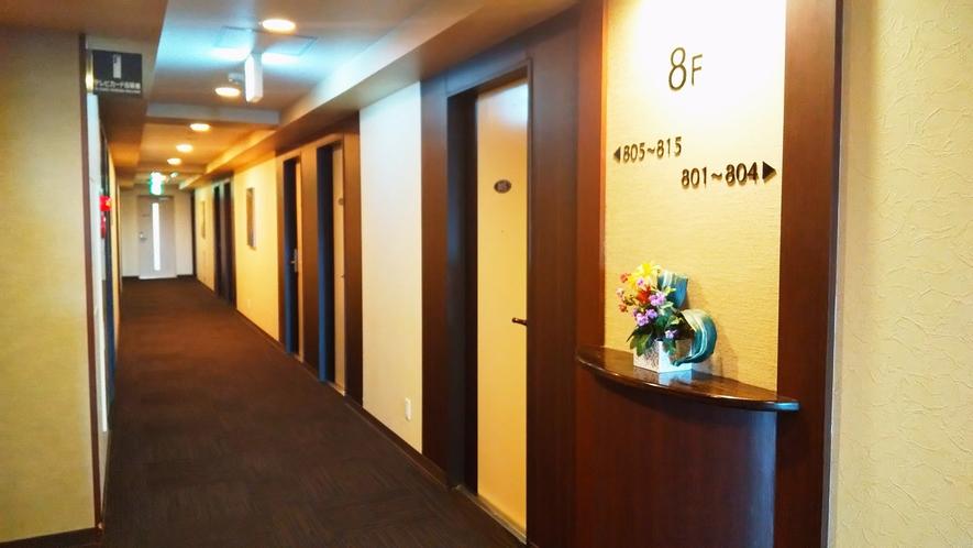 客室は1フロアに15室ずつあり、合計105室。内75室は禁煙ルームです。