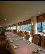 レストラン「フォンターナ」