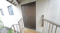【共同浴場】入口 お部屋が和室利用の方のみご利用いただけます。
