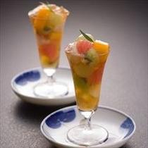 魚貝とフルーツの酢物