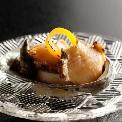 季節野菜とアワビのステーキ