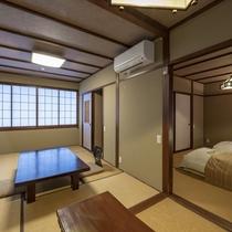 【客室】居心地の良いロータイプの畳ベッドを置いた客室。