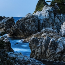 【山陰ジオパーク】浦富海岸は洞門、洞窟、白砂の浜など、様々な地形を観察することができる地形の博物館。