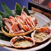 香ばしい香り、熱々の蟹身。蟹料理の中でも人気の高い「焼き蟹」。お酒との相性も抜群。