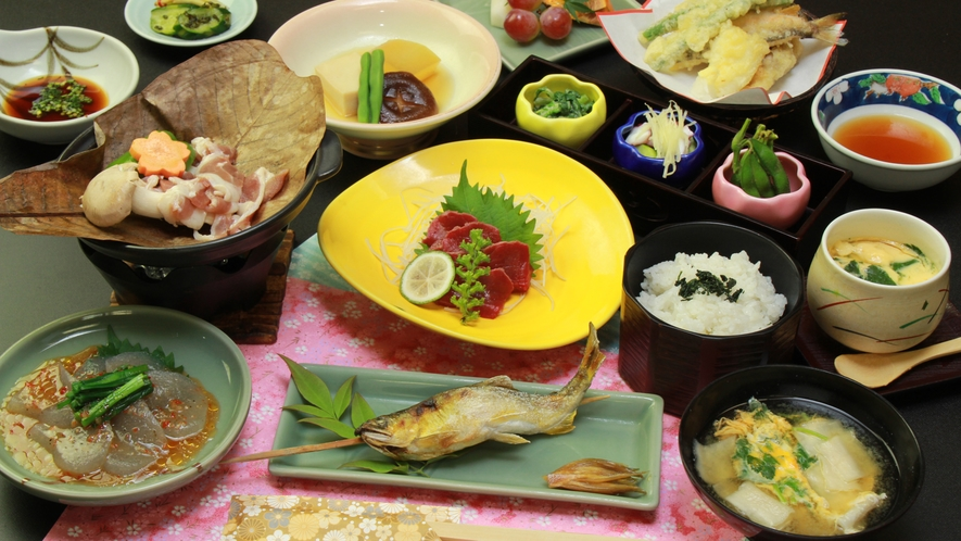 ■【夕食】基本 食材にこだわった田舎会席 お料理全体