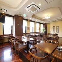 レストラン、朝は朝食会場「花茶屋」夜はお食事処「花々亭」です