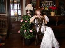 プロカメラマンによる館内の撮影会もありました。私も脇から撮らせて戴きました写真です。この時の先生の写
