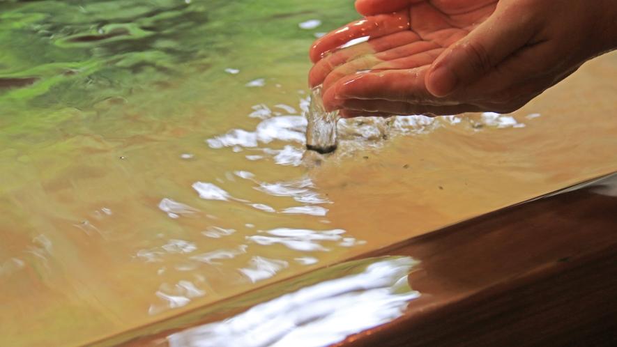 ■天然温泉100%、源泉かけ流しの貸切温泉を貸切で・・・ゆったりとご堪能ください。