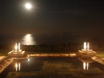 【月の道】夜は神秘的な絶景に魅せられて