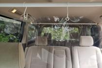 【送迎車での取り組み】車内にビニールシートを設置