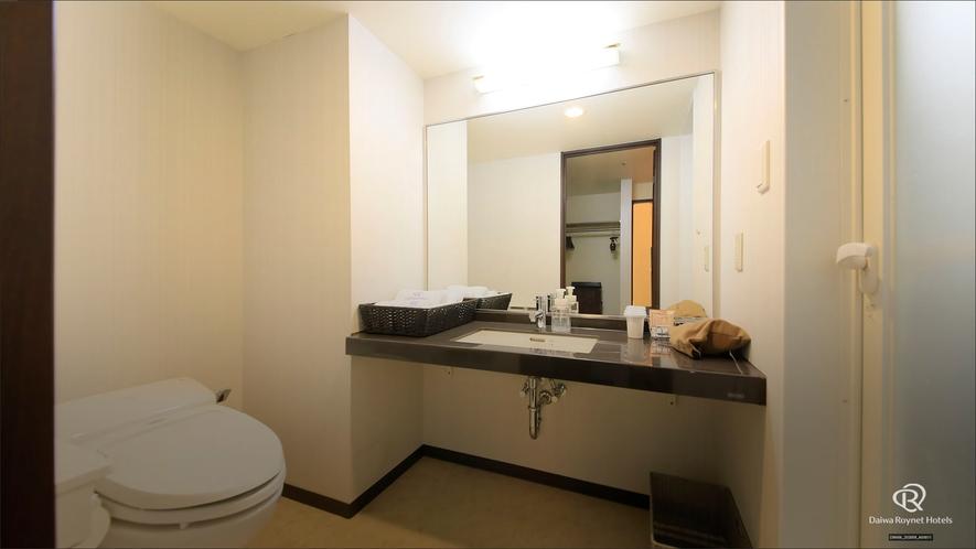 ジュニアスイートルーム バスルーム前