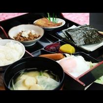 朝はしっかり!茨城産のコシヒカリの和定食