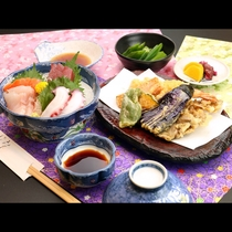 ボリューム満点海の幸と旬の野菜は日替わりでお食事をご用意 一例です