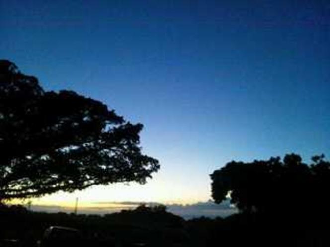 みるく家の前の夕日